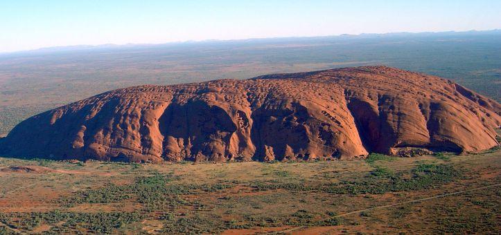Uluru_(Helicopter_view)-crop.jpg