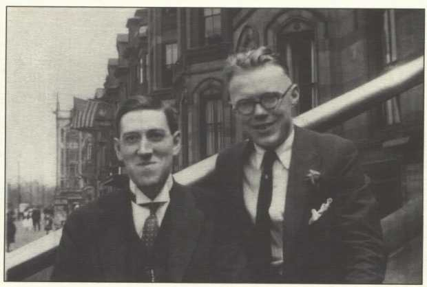 H.+P.+Lovecraft+and+William+J.+Dowdell+in+Brooklyn